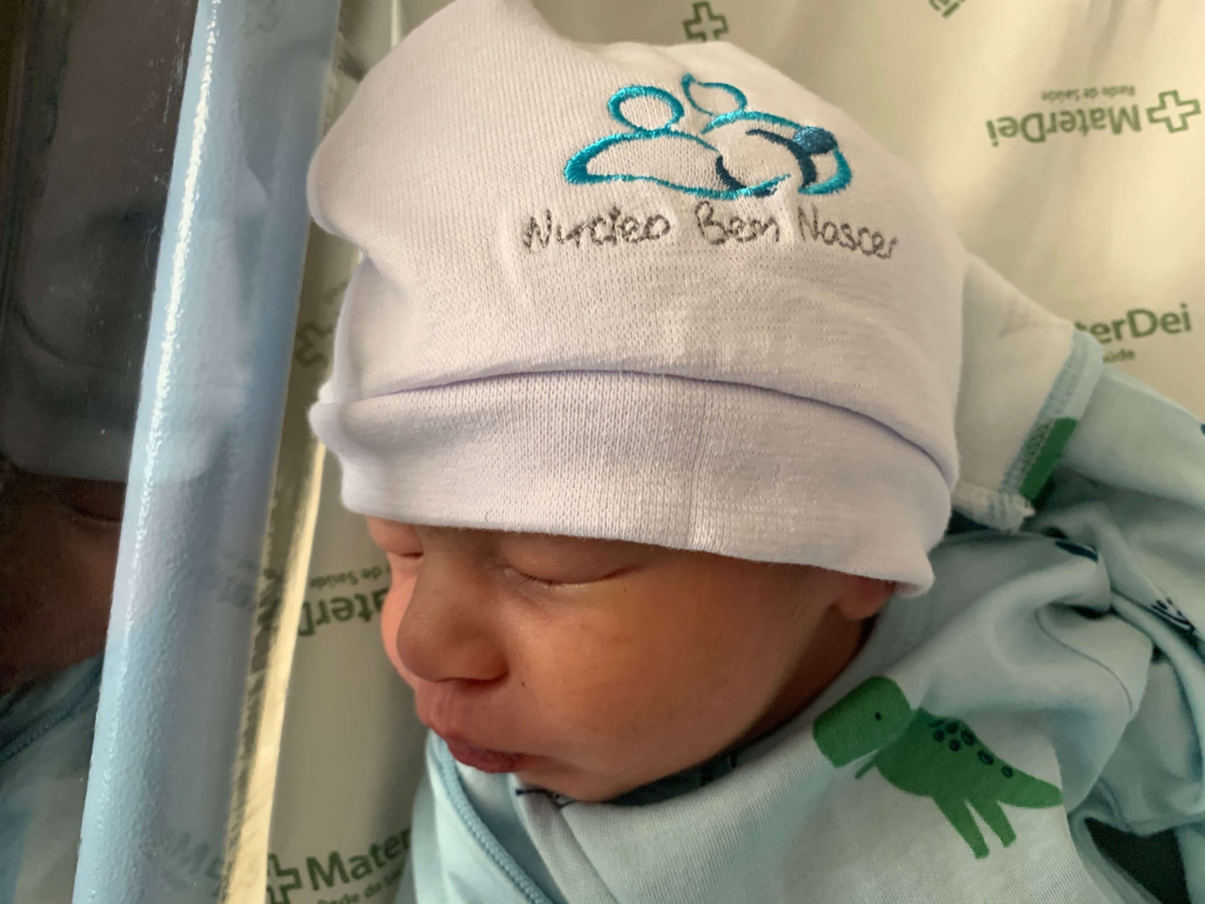 Parto na penumbra; parto humanizado; parto cesariana; parto respeitoso; parto cesárea; cesárea intra-parto; Bem-Nascido