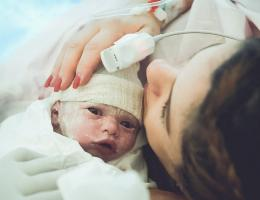 Parto na penumbra; parto humanizado; parto cesariana; parto respeitoso; parto cesárea; Bem-Nascida; Indução de parto