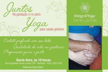 Cleise Soares desenvolveu uma técnica de Yoga adaptada para casais grávidos.