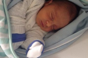 O primeiro soninho de Arthur, mais um bem-nascido!