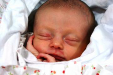 Lila, em paz após o nascimento.