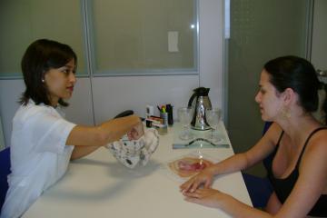 A fisioterapeuta Sabrina Baracho deu dicas para uma boa preparação para o parto.