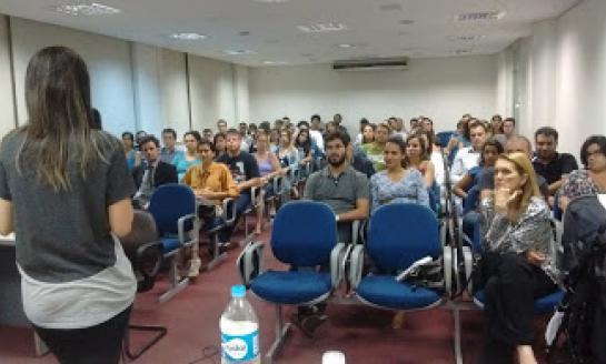 Curso do Núcleo lota o auditório da Associação Médica.